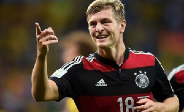 Kroos completes his move to Real Madrid