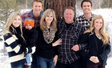 Mum & 2 pregnant daughters all widowed after husbands die in plane crash