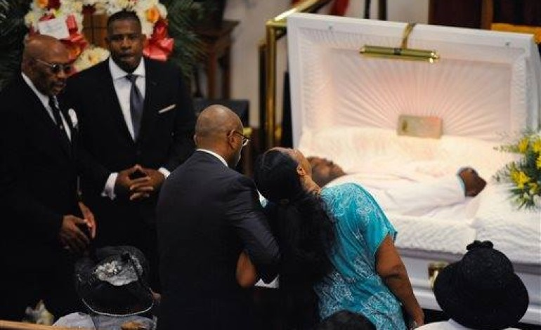#RIP Eric Garner; Funeral Held for Man Who Died After Cops Put Him In A Chokehold