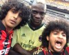 Fans invade pitch for 'Selfie' With Mario Balotelli (PHOTO)