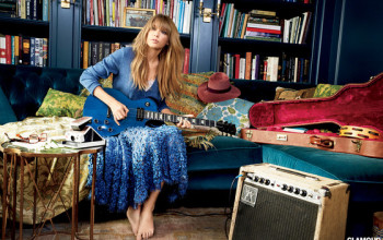 Taylor Swift Joins 'The Voice' As An Adviser