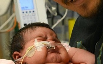 Pics: Mum shocks midwives as she gives birth to 14pound baby girl