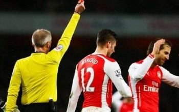 """""""Giroud Has Apologized For Headbutt""""- Arsene Wenger"""