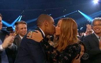Beyonce & Jay Z kiss as they win award + other fab pics from inside 2015 Grammys