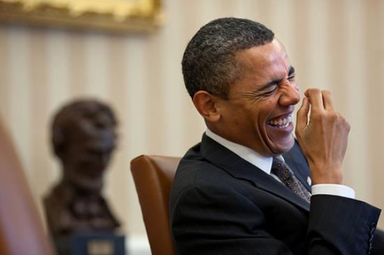 Obama_laughing_550