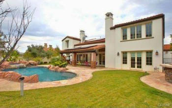 WoW! 17 year old Kylie Jenner buys $2.7million Mansion (see photos)