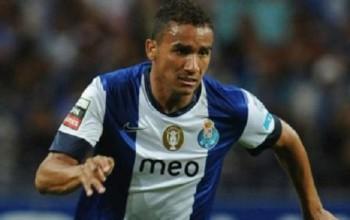 Manchester United In Talks To Sign Danilo