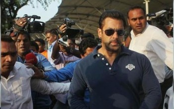 #Bollywood star Salman Khan sentenced to five years in jail for 2002 hit-and-run