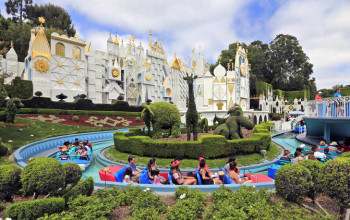 Disneyland annual pass with no blackout days now costs more than $1,000