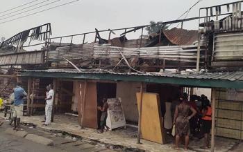 Photos: Fire destroys 200 shops in Sapele Main Market