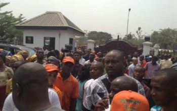 Photos: Abia state residents file out to receive their governor after victory at the Supreme court