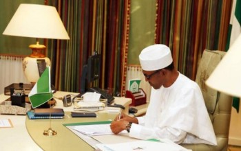 Buhari Must Stop All Foreign Trips, Face the Economic Danger – PDP Warns