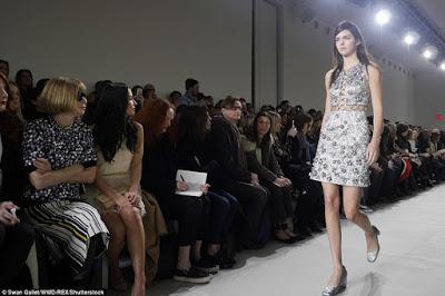Make-up-free-Kendall-Jenner-walks-the-runway5