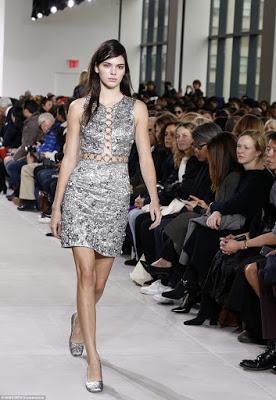Make-up-free-Kendall-Jenner-walks-the-runway6