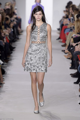 Make-up-free-Kendall-Jenner-walks-the-runway9