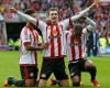 Sunderland ban footballer Adam Johnson from playing pending court judgement after admitting child se x charges