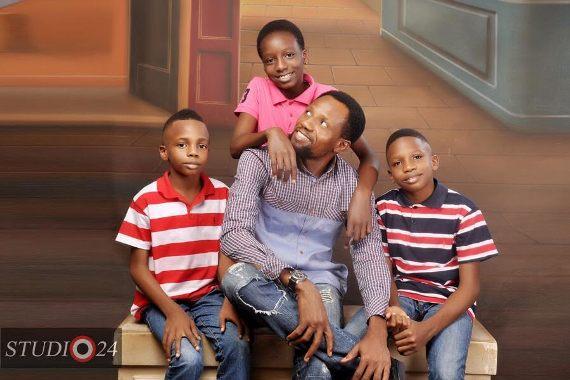 Nollywood producer, Dickson Iroegbu shares beautiful family photos