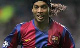 Barcelona sign up legend Ronaldinho again!