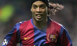 Barcelona sign up legend Ronaldinho again!