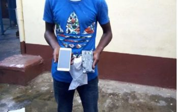 BUSTED! How police arrested seller of bar soap packaged as phones (photos)