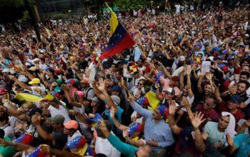 Venezuela's interim president Guaido offers Maduro amnesty if he cedes power