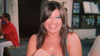 Laura Plummer: Jailed Briton in Egypt 'released'