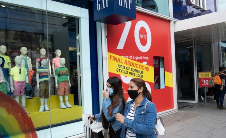 Gap considers closing all its UK stores